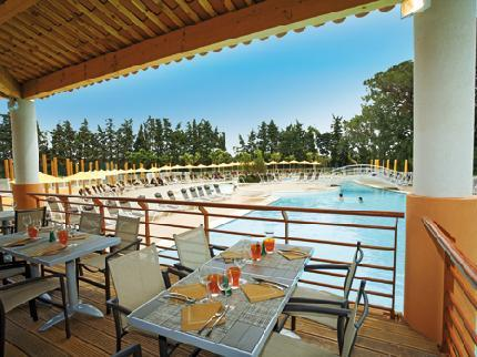 Meubl t2 tourisme affaires cannes mandelieu petit lac for Meuble petit appartement